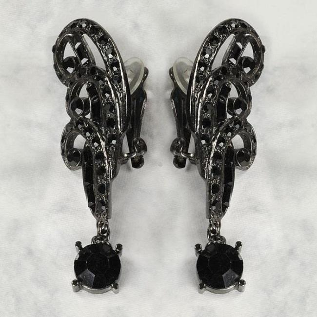 klipsy z czarnych kryształów