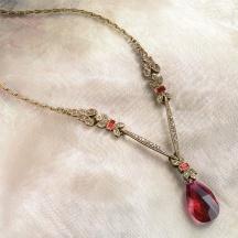 Naszyjnik Czerwony kryształ